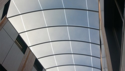 ETFE film in single layer stretched